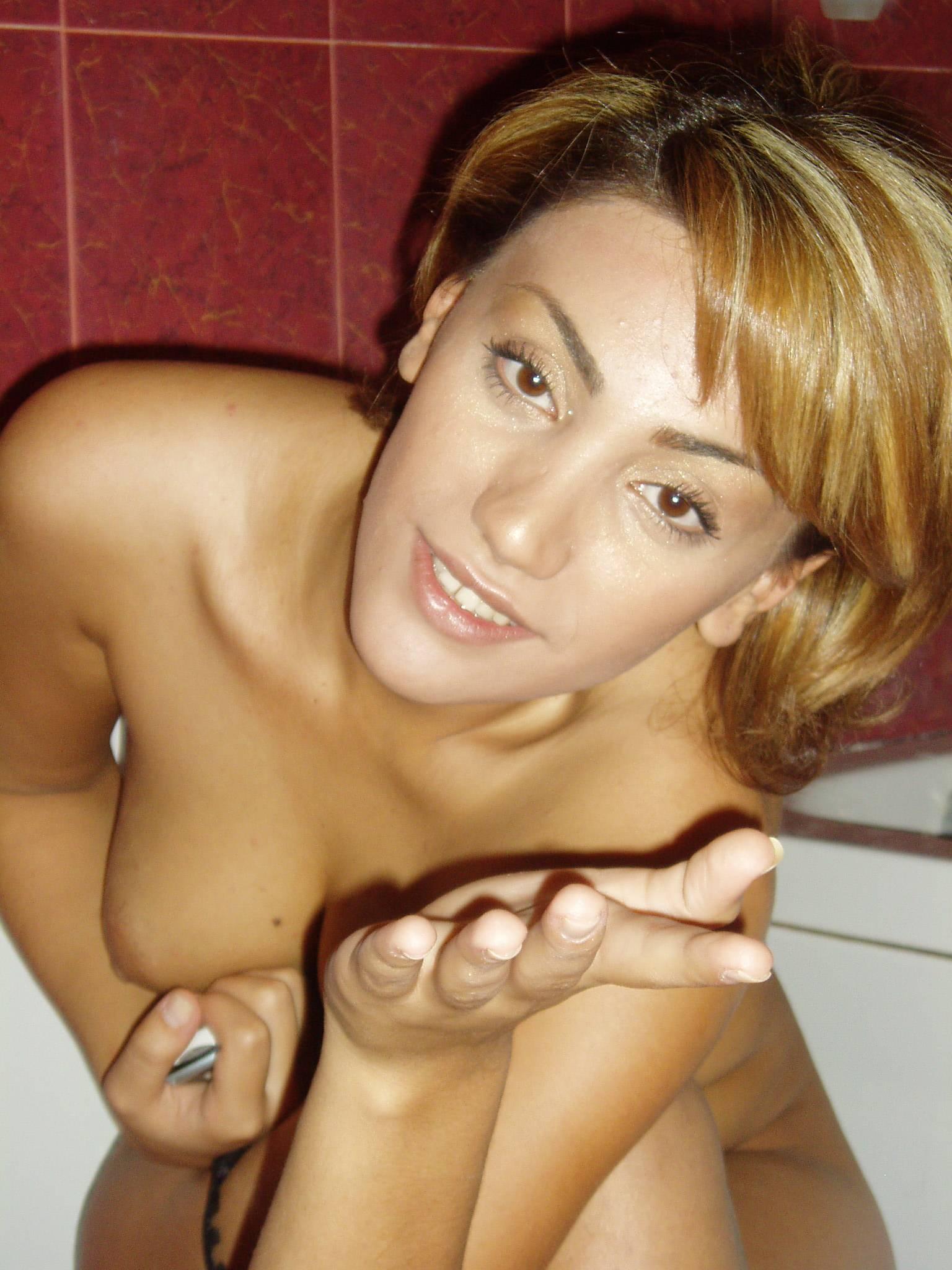 Roya porn 3gp nude gallery